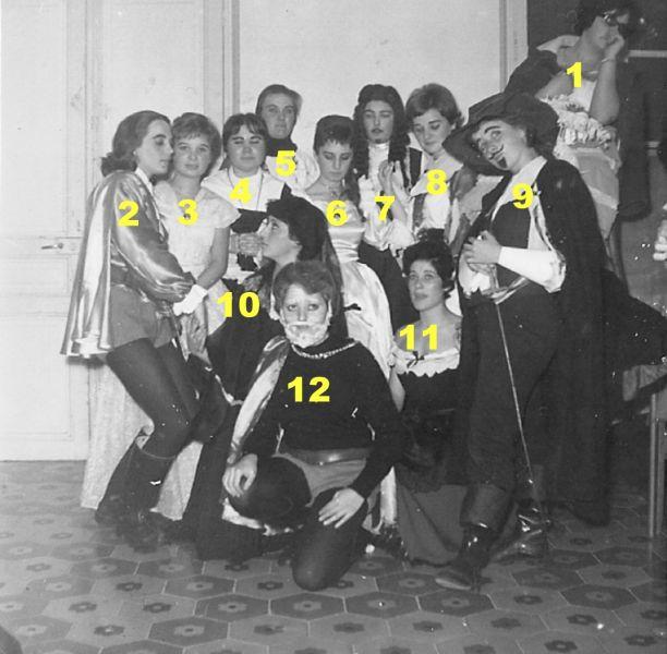 01enolatroupe1960n.jpg